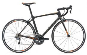 Giant Tcr Advanced 1 Road Bike 2018 - Medium (ex Display) - CLIMB FASTER. CORNER QUICKER. BREAK AWAY FROM THE PACK. FOR ALL-AROUND ROAD RACING