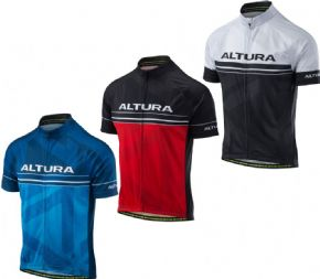 Altura Team Short Sleeve Jersey  2018 - Comfort and styling in this performance engineered team short sleeve jersey.